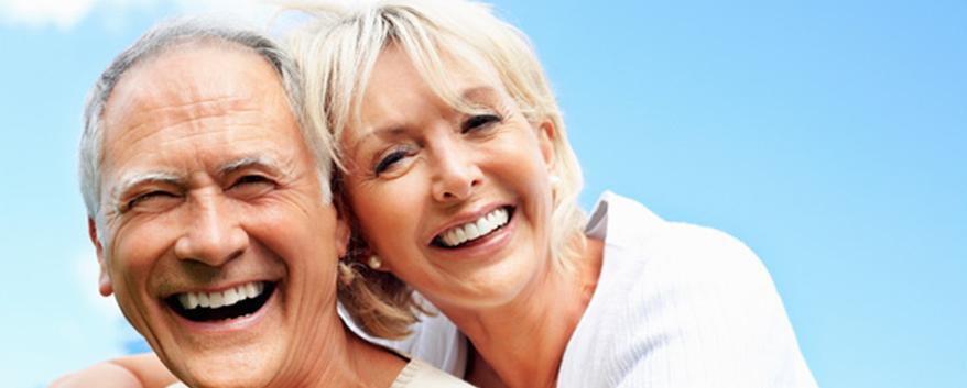 Implante Dentário na terceira idade pode?
