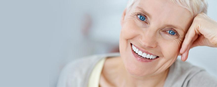 Odontologia para idosos: os principais cuidados que você deve ter com o seu familiar